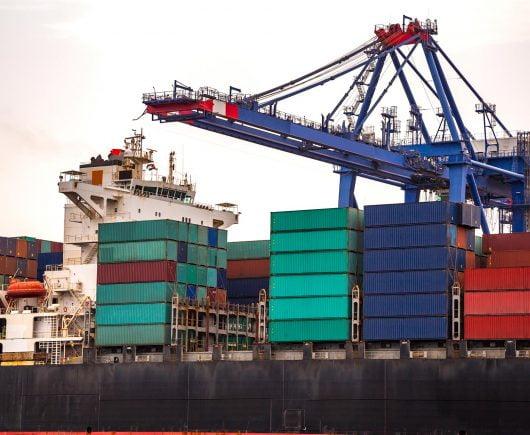 Rukovatelj kontejnerskom dizalicom