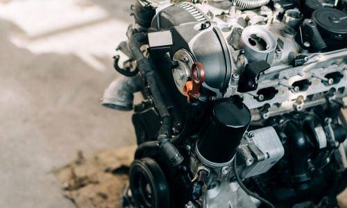 Strojar motora sa unutarnjim izgaranjem